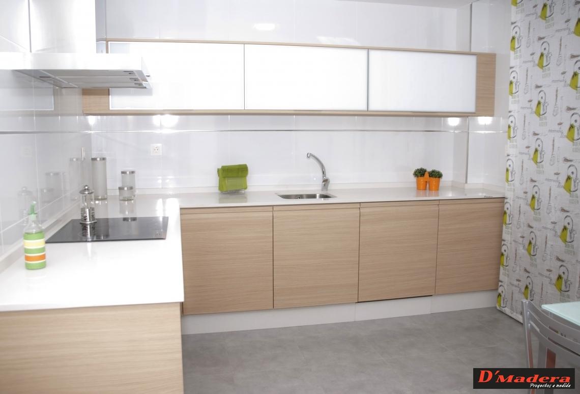 Servicios carpinter a d madera cocinas muebles for Cocina de madera antracita