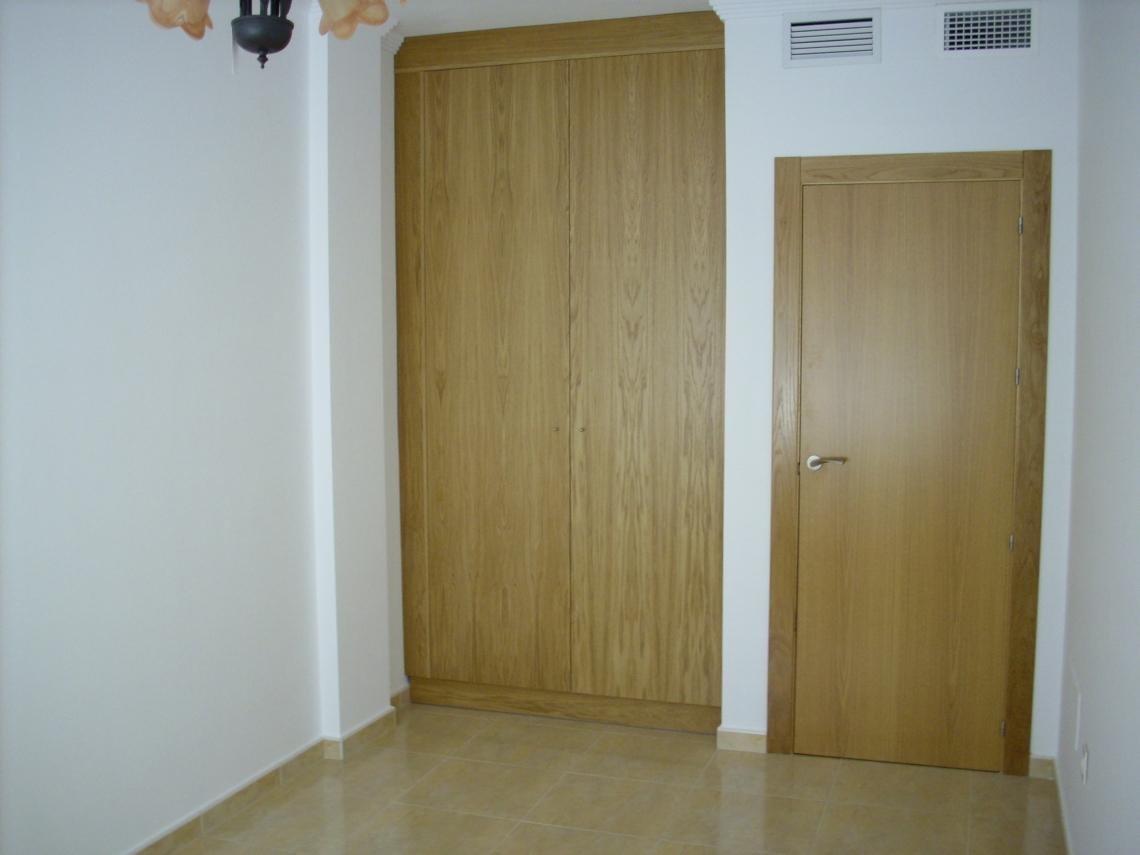 Puertas de interior y exterior for Puertas de exterior