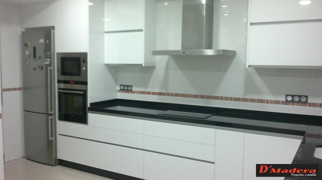 Cocina estratificado tirador gola - Bauhaus encimeras de cocina ...