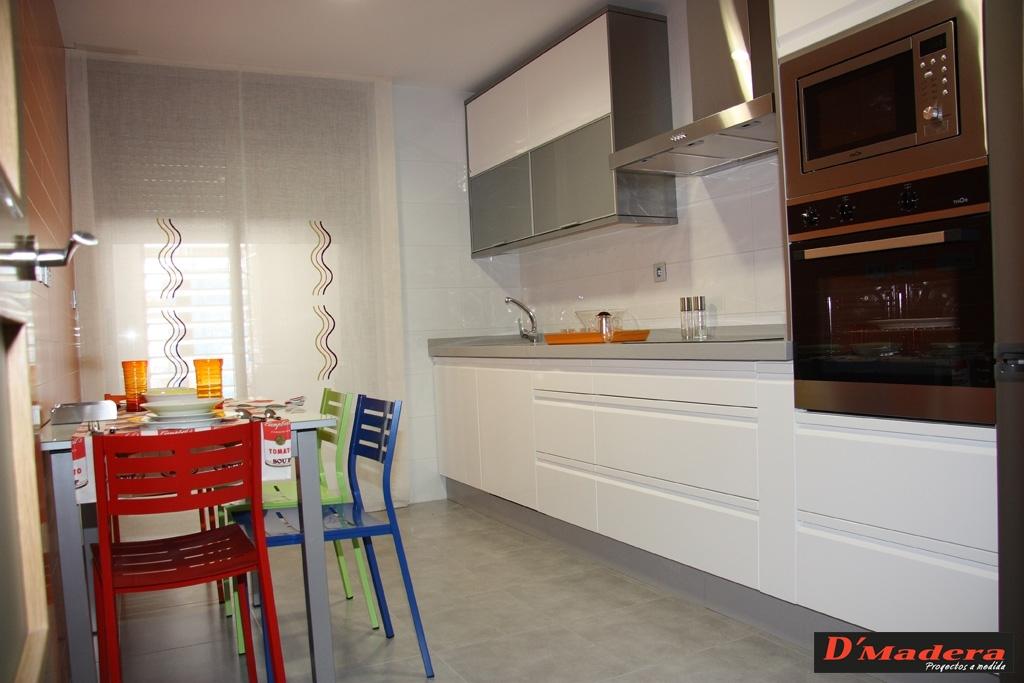 Cocina polilaminado blanco brillo modelo alta - Cocinas blanco brillo ...