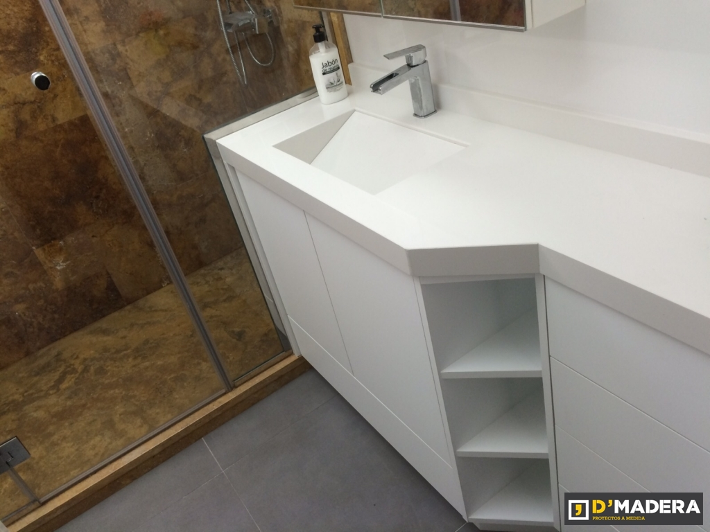 Mueble de ba o blanco seda y silestone compac blanco absolut for Banos madera y blanco