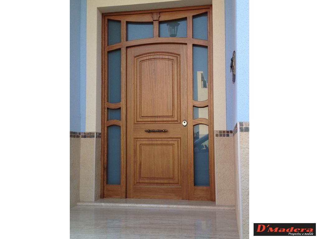 Puerta exterior cl sica iroko for Puertas de madera blancas para exterior