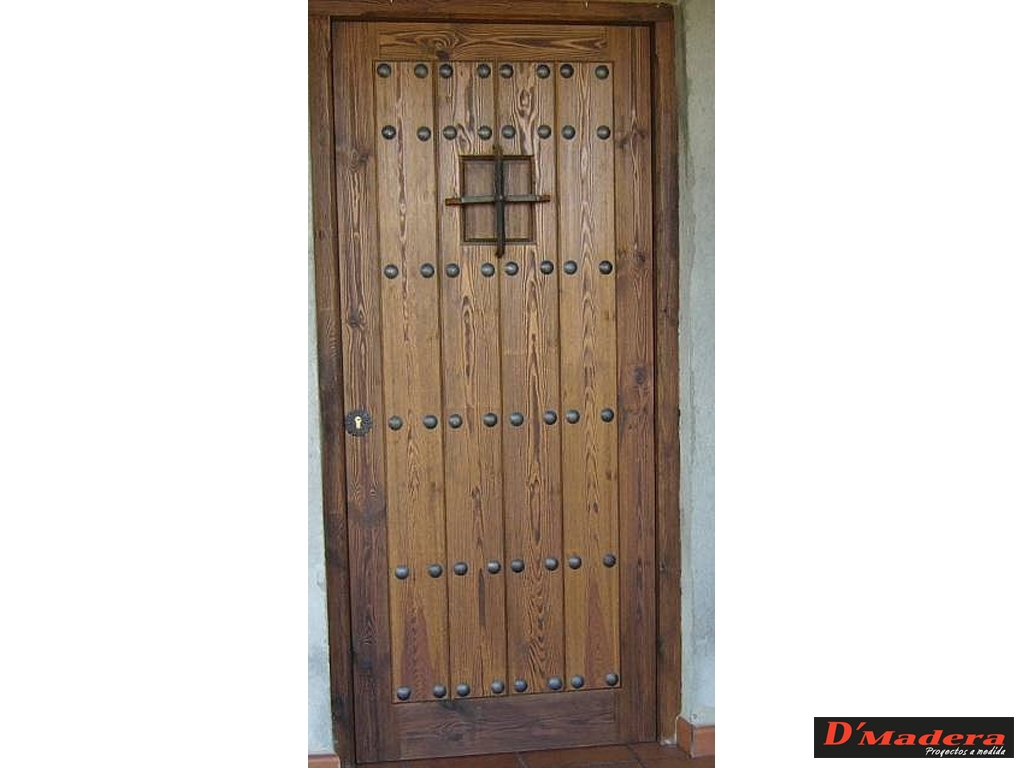 Puerta exterior r stica pino viejo for Puertas para bano exterior