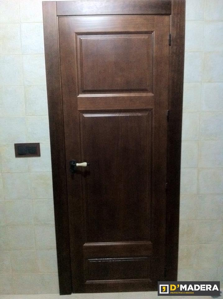 puerta maciza de 2 cuadros en pino tinte nogal